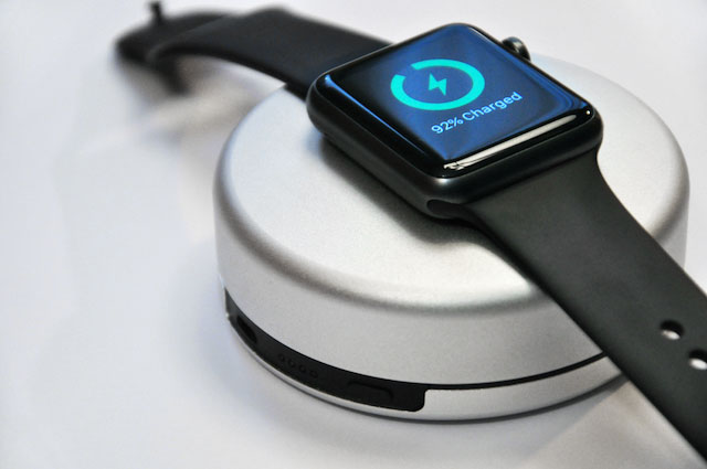 nomad-pod-apple-watch-powerbank